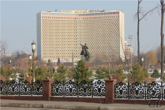 Ташкент. Памятник Тамерлану на главной площади