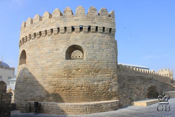 Одна из башен старого города