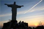 Рио. Корковаду. Фигура Христа на закате.